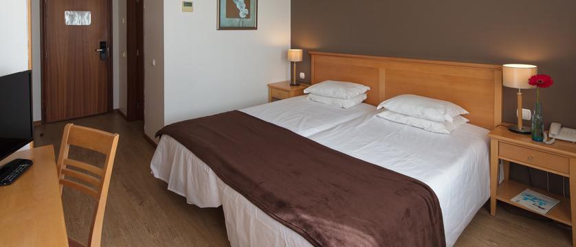 Funchal_orquidea_bedroom.jpg